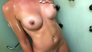 Rate my foam Tits and sweet ass. Sexy milf washes her beautiful body 4K